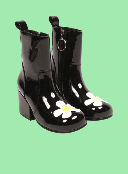 UNIF Moxie Daisy ankle boot. Women's vinyl ankle boot with low heel.