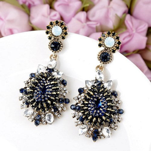 Egypt Chic Earrings Shiny Crystal Cluster Vintage Floral Chandelier Dangle Black