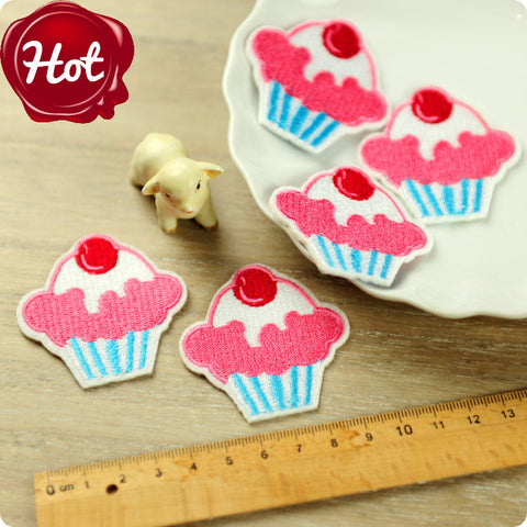 iron on applique - 2 x cupcakes