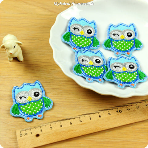 iron on applique - 2 x green owls