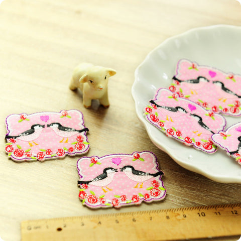 Birds - pink love birds embroidery & fabric iron on patch 2pcs AP1505-02