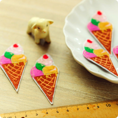 Food - multicoloured summer ice cream embroidery iron on patch for kids 2pcs AP1505-13