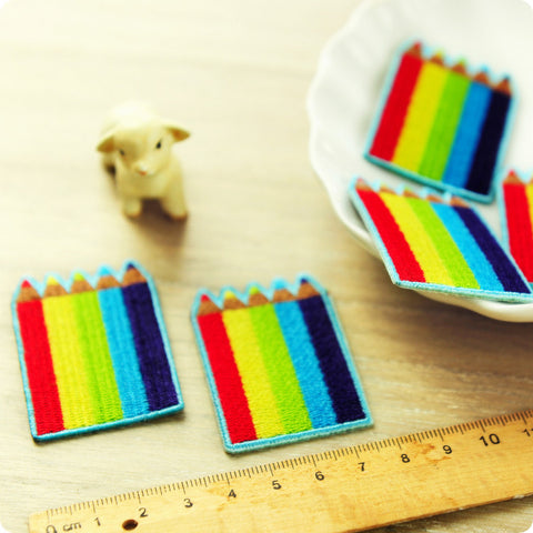 Multicolour colouring pencils embroidery iron on patch for kids 2pcs AP1505-19