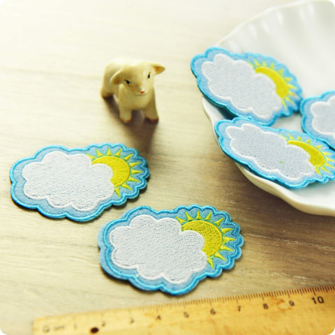 Weather - white & blue sun behind the cloud embroidery & felt iron on patch for kids 2pcs AP1505-20