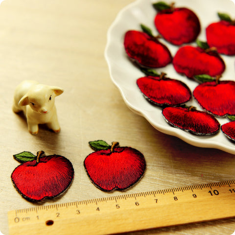 Fruit - red apple embroidery iron on patch 2pcs