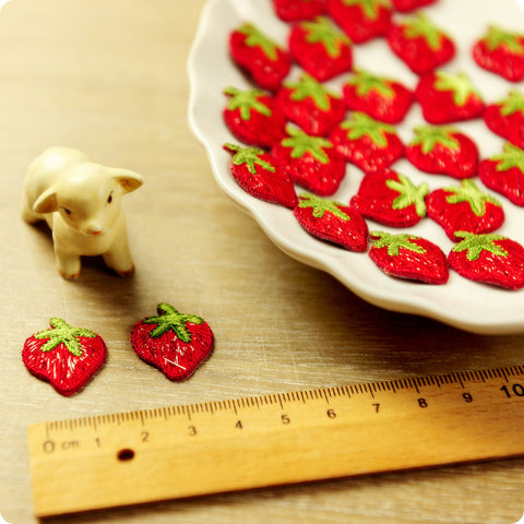 Fruit - red petite strawberry embroidery iron on patch