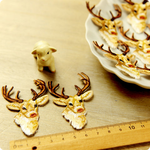 Christmas - gold reindeer embroidery iron on patch 2pcs