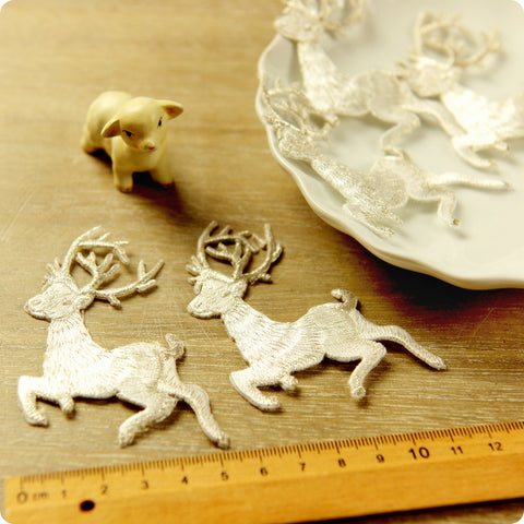 Christmas - white metallic reindeer embroidery iron on patch 2pcs