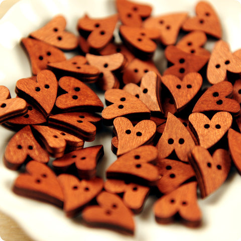 Love - sassy heart wooden buttons - 10pcs