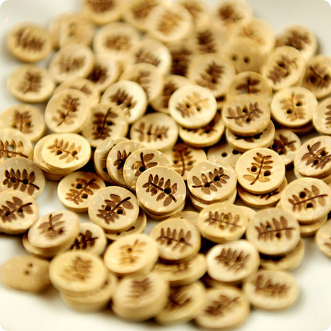 Leaf - carved natural coconut buttons -10pcs