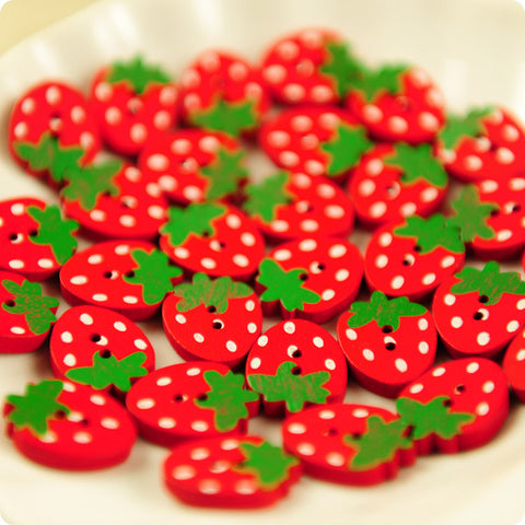 Fruits - red strawberry 2-hole wooden buttons - 10pcs