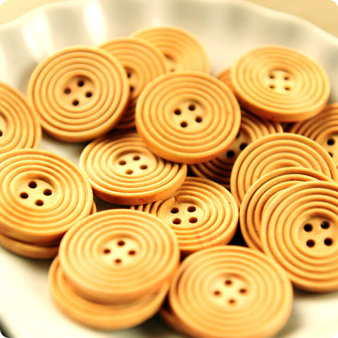 4-hole giant round natural wooden buttons -10pcs