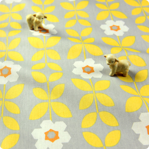 Flowers - yellow & grey large retro angular floral cotton fabric W:160cm FQ1512-07
