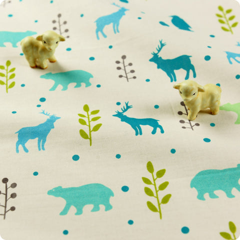 Zoo - blue & white reindeer, bear & penguin motifs cotton fabric FQ1512-19
