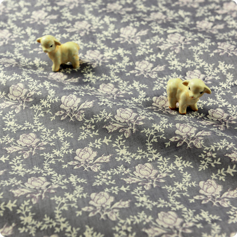 Ditsy - grey & white petite floral cotton fabric W:160cm FQ1512-21