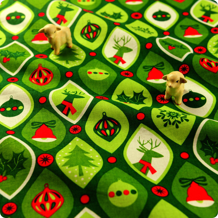 CHRISTMAS XMAS GREEN RED Fat Quarter//Square//FQ Cotton Fabric Quilt Bunting Text