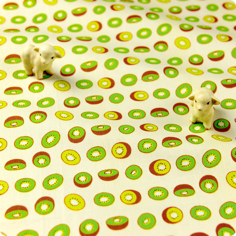 Fruit - green petite kiwi cotton fabric W:160cm FQ1611-16