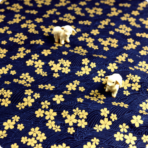 Japanese - blue navy & gold metallic mini flowers (width:140cm) cotton fabric