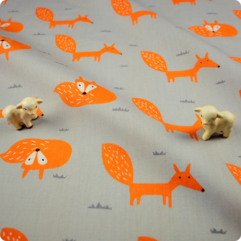 Woodland - grey & orange foxes (width: 160cm) cotton fabric FQ1802-10
