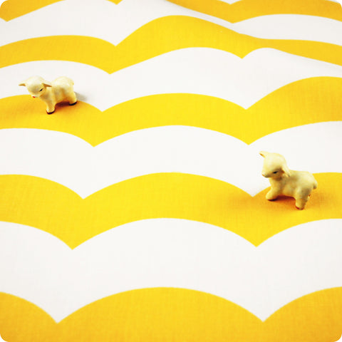 Chevron - yellow & white wide 3cm waves (width: 160cm) cotton fabric - FQ1802-20