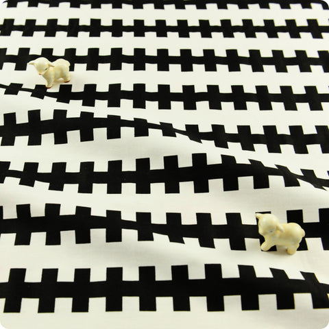 Monochrome - black & white geometric print cotton fabric W:160cm FQ1804-20