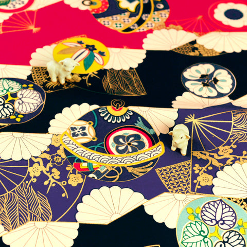Japanese - purple red & gold metallic temari ball & fans cotton fabric W:143cm FQ1807-05