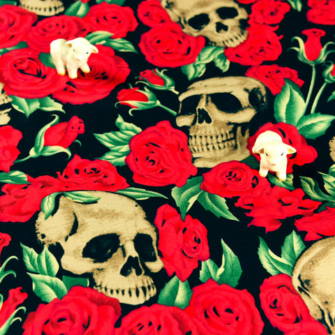Halloween - red & black skulls & roses cotton fabric W:147cm FQ1807-12