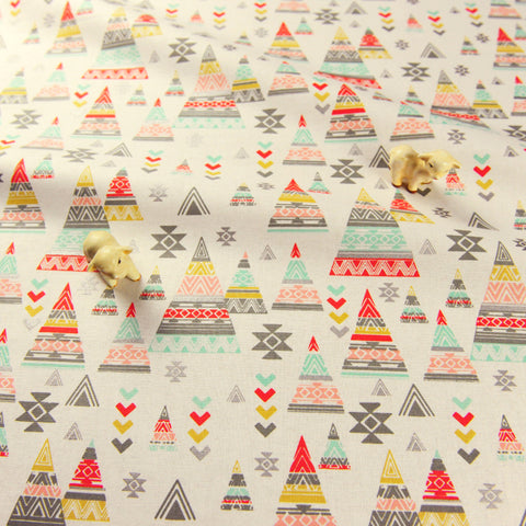 Christmas - white pastel multicolour tippee on ice cotton fabric FQ1811-39
