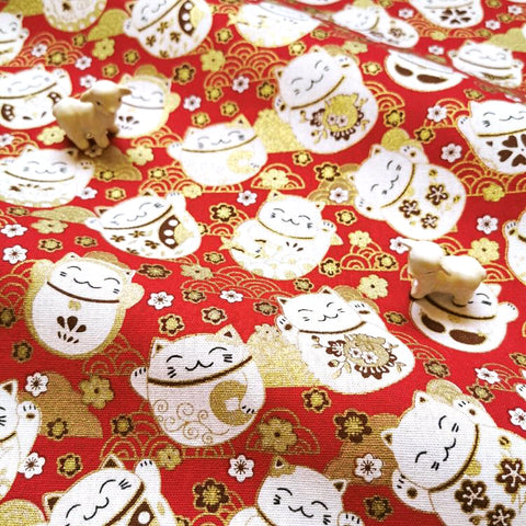 Japanese - red metallic round lucky cats & clouds cotton fabric W:144cm FQ2006-13
