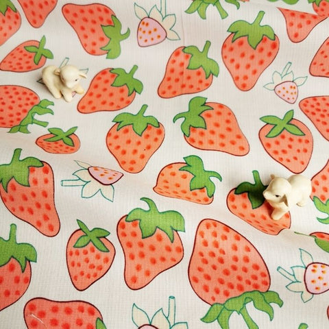 Fruit - pink & white juicy strawberry cotton fabric W:142cm FQ2006-62
