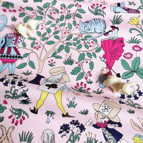 Alice in Wonderland - pink cotton fabric W:142cm FQ2006-65
