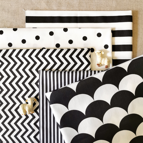 Monochrome - black & white Nordic print cotton fabric bundle 5FQs PK1810-06