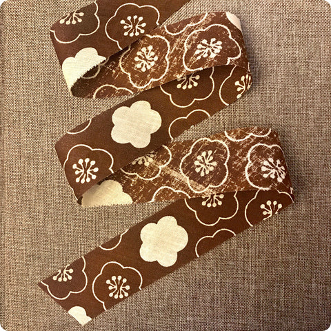 Floral - 5m brown & white cotton bias binding unfolded tape