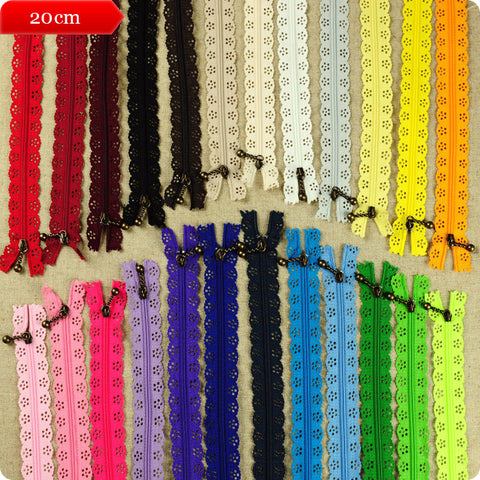 Scalloped lace edged zippers - 20cm - 24 colours