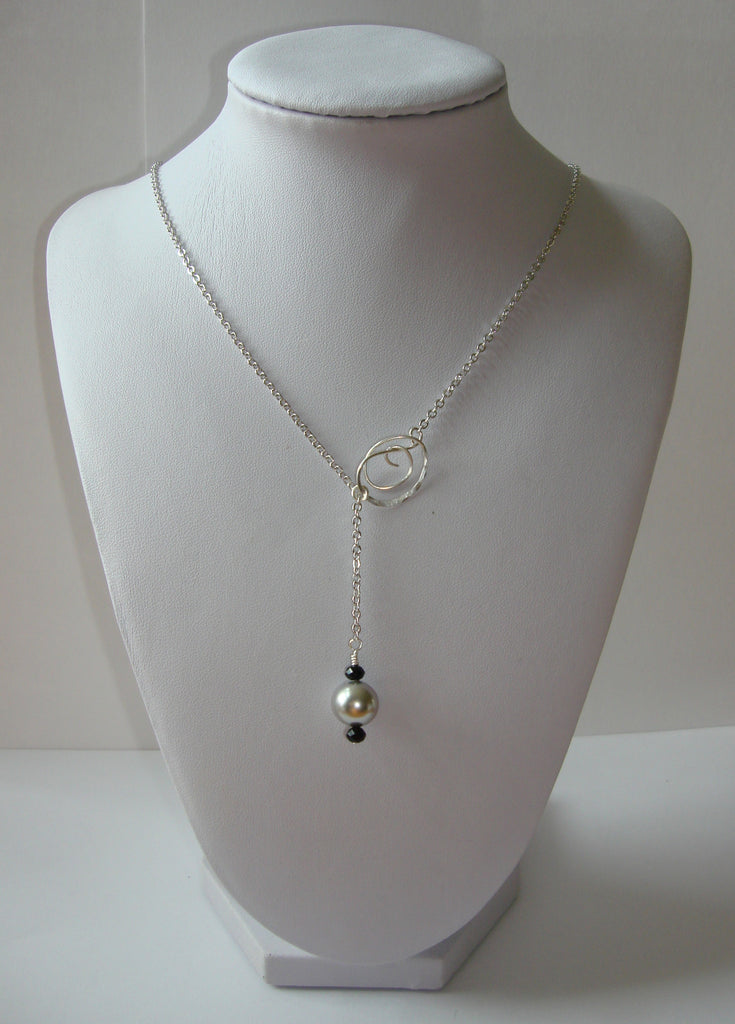 Hammered Lariat Style Necklace - Mini Knot with Pearl Dangle in Light Grey