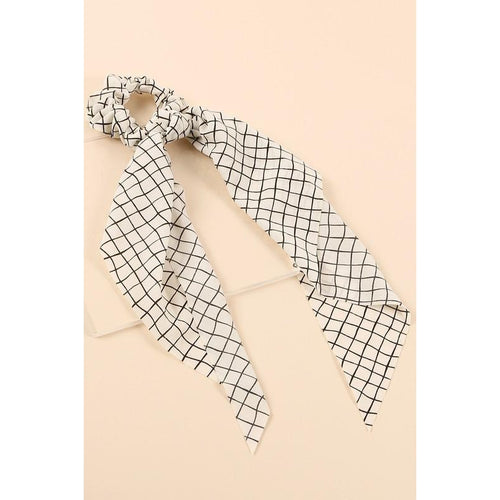 Grid Scrunchy Scarf- White & Black