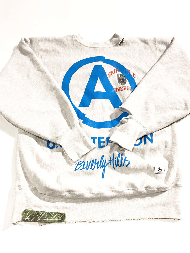 """UNIVERSITY"" vintage CHAMPION crewneck sweatshirt"