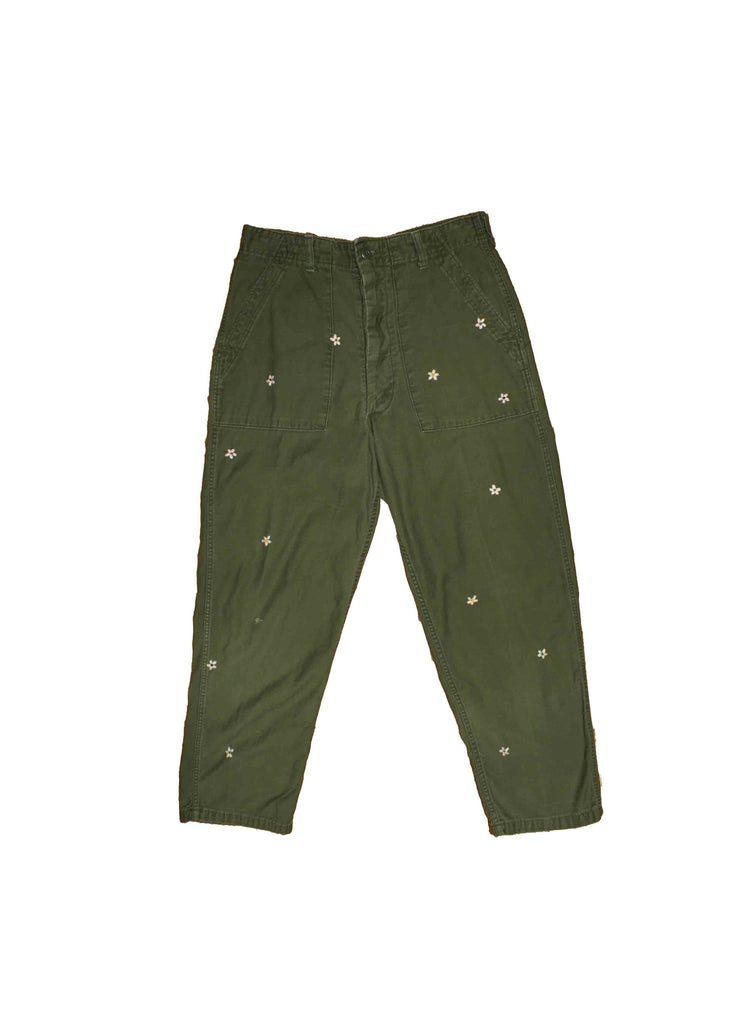 US ALTERATION // MILITARY PANT WITH FLOWER PATCHES