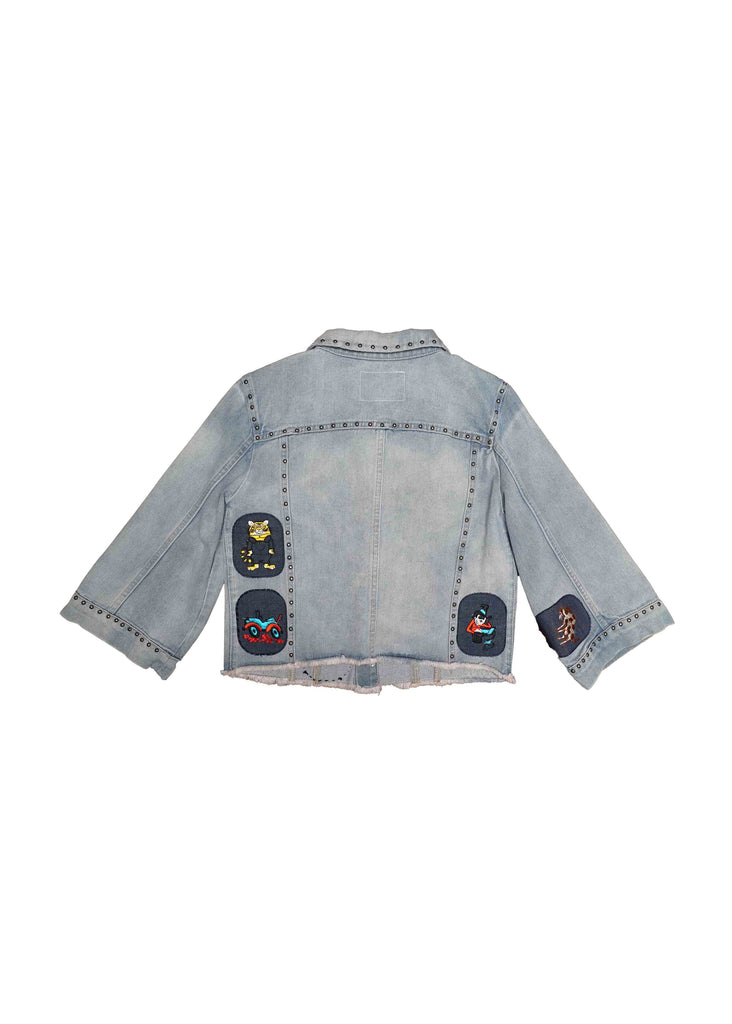 LIGHT WASH DENIM JACKET // WITH PATCHES // S