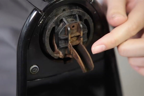 Dirty Nespresso machine: Remove bacteria & mould thoroughly by using CaffeNu cleaning pods