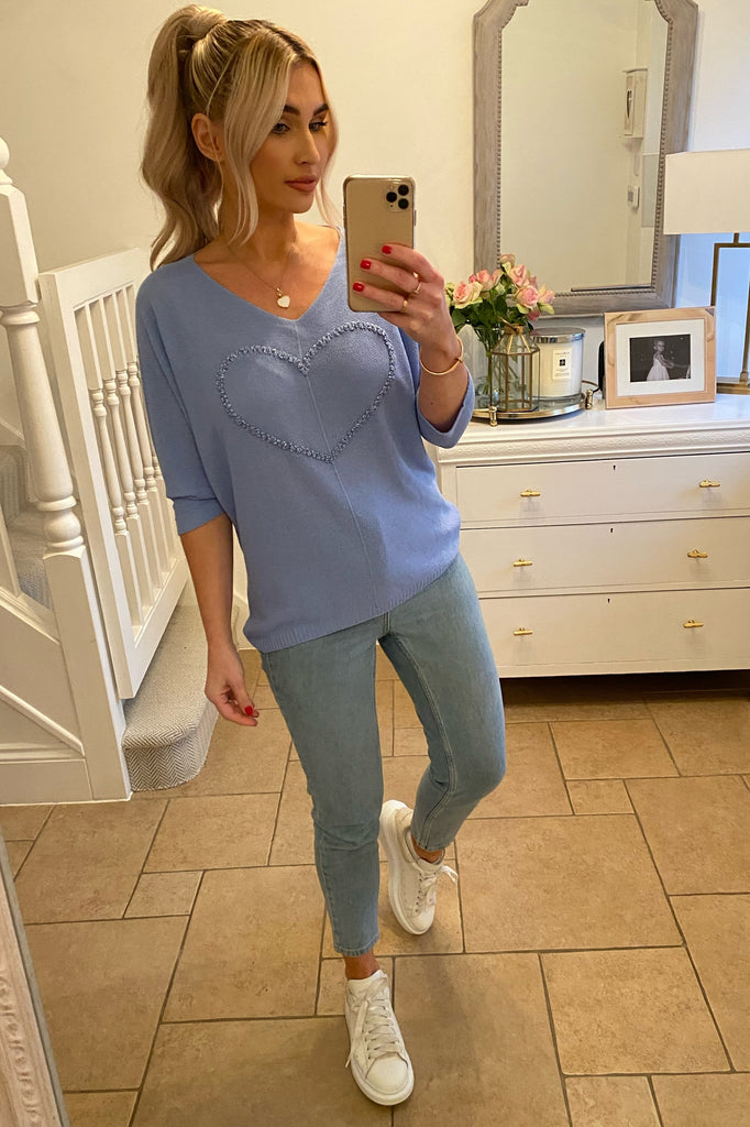 CORNFLOUR BLUE V-NECK FINE KNIT JUMPER