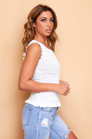 WHITE SLEEVELESS  RIBBED KNIT TOP