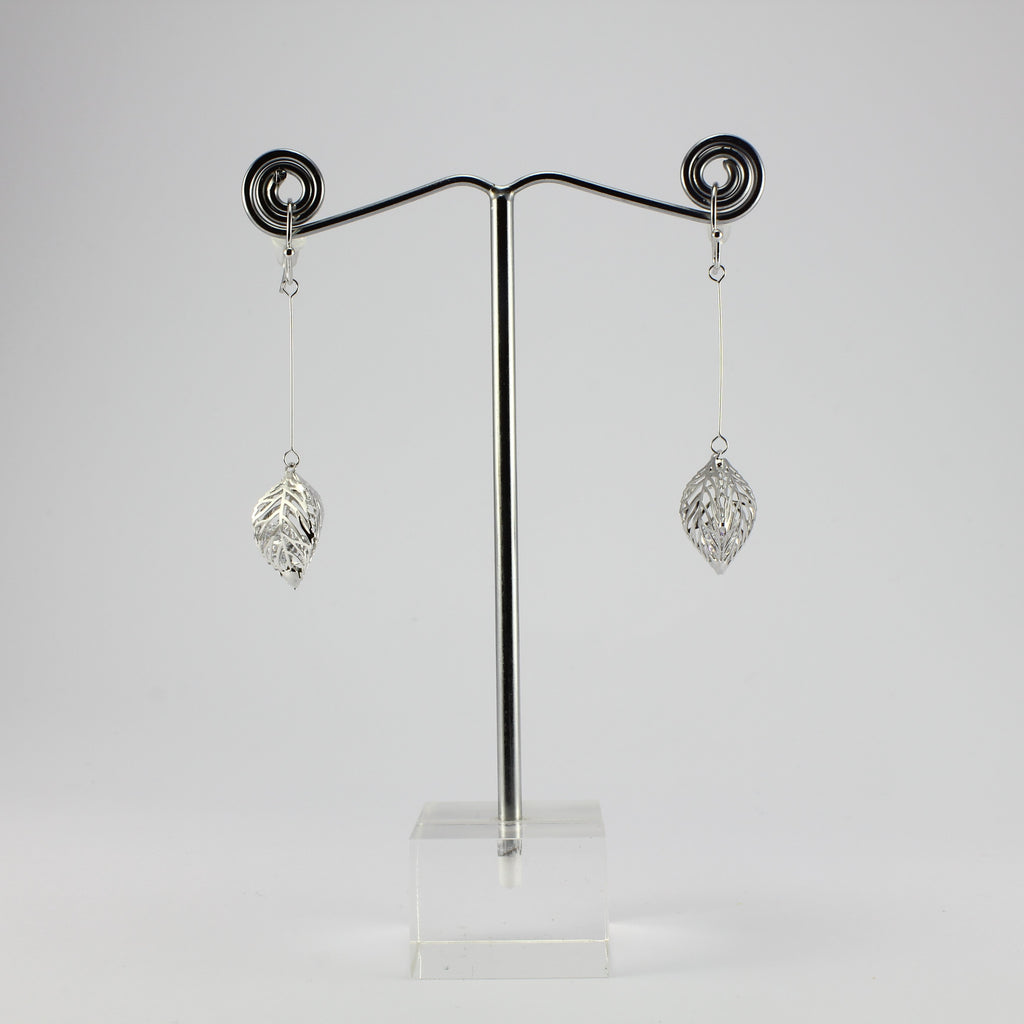 SWEG003 -  Fashion Earring - Silver Leaf  with Hook Clasp