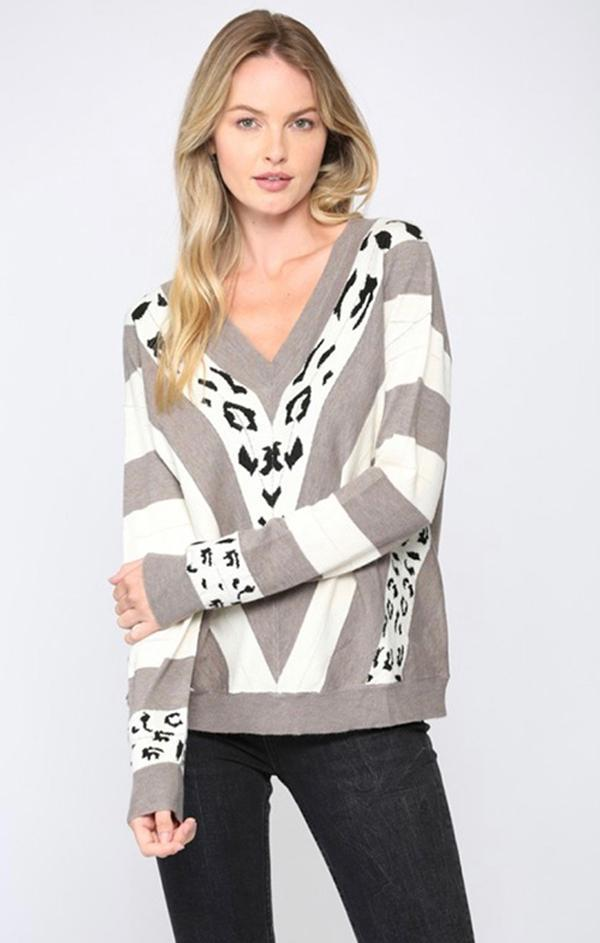 COLOR BLOCK V NECK FATE ANIMAL PRINT SWEATER