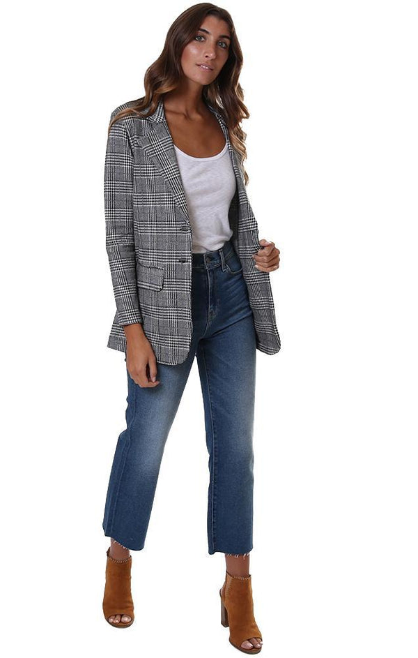 Office Chic Looks For The Working Woman