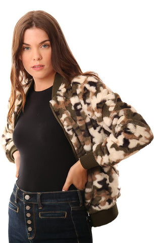 METRIC JACKETS ZIP UP COZY FAUX FUR TEDDY CAMO PRINT BOMBER JACKET