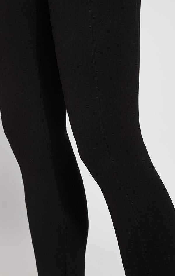 black high waisted soft legging for fall