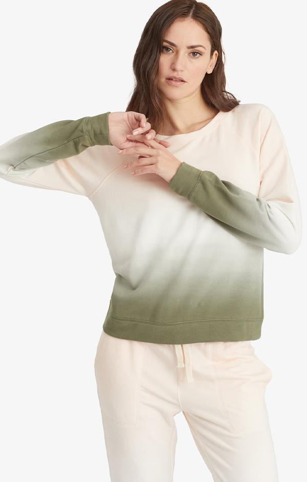 long sleeve crew neck green sweatshirt