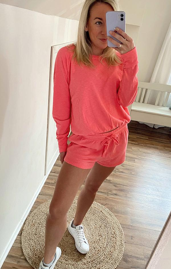 hot pink summer pullover crewneck sweatshirt with elastic hem detailing