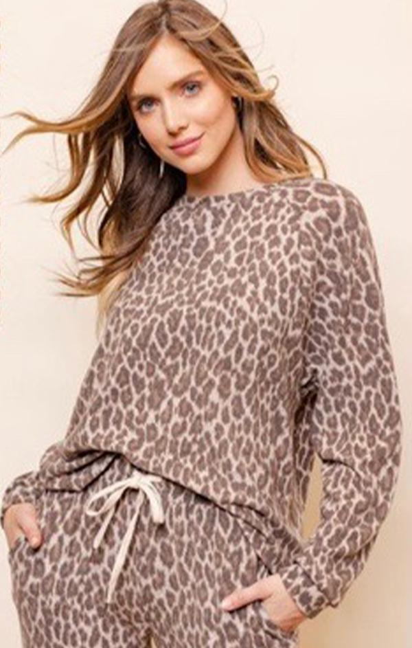 leopard print pullover top